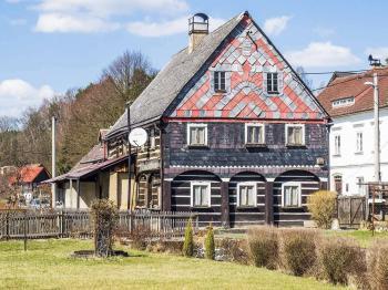 pohled na dům ze zahrady - Prodej domu v osobním vlastnictví 250 m², Mařenice