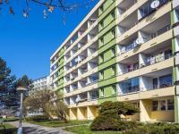 pohled na dům (Prodej bytu 3+1 v osobním vlastnictví 77 m², Česká Lípa)