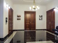 prostor v hale před vstupem do kanceláře č. 203 (Pronájem komerčního objektu 38 m², Česká Lípa)