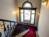 schodiště (Pronájem komerčního objektu 38 m², Česká Lípa)