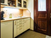 kuchyňka ve 2.NP - Pronájem komerčního objektu 200 m², Česká Lípa