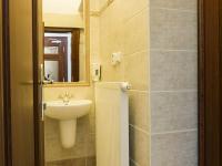 toalety ve 2.NP - Pronájem komerčního objektu 200 m², Česká Lípa
