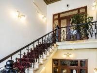schodiště - Pronájem komerčního objektu 200 m², Česká Lípa