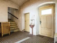 chodba (Prodej domu v osobním vlastnictví 160 m², Kravaře)