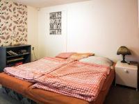 první ložnice v patře (Prodej domu v osobním vlastnictví 220 m², Mařenice)