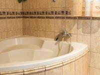 malá koupelna v patře (Prodej domu v osobním vlastnictví 220 m², Mařenice)