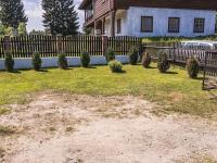 místo před garáží (Prodej domu v osobním vlastnictví 220 m², Mařenice)