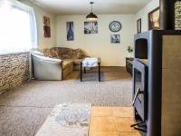 obývací pokoj (Prodej domu v osobním vlastnictví 220 m², Mařenice)