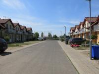 Klidná část Veltrus, neprůjezdná ulice (Prodej domu v osobním vlastnictví 110 m², Veltrusy)