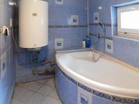 Koupelna (Prodej domu v osobním vlastnictví 110 m², Mimoň)