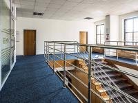 přístupové schodiště (Pronájem kancelářských prostor 13 m², Česká Lípa)