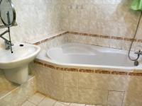 Koupelna (Pronájem bytu 3+1 v družstevním vlastnictví 62 m², Česká Lípa)