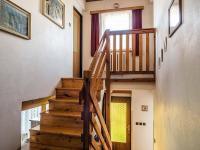 schodiště do 2.patra (Prodej penzionu 145 m², Doksy)