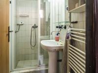 koupelna (Prodej penzionu 145 m², Doksy)