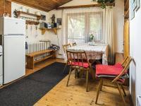 kuchyň (Prodej penzionu 145 m², Doksy)