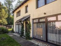 vstup do domu (Prodej penzionu 145 m², Doksy)