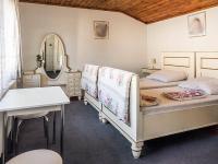 ložnice v 2.NP (Prodej domu v osobním vlastnictví 145 m², Doksy)
