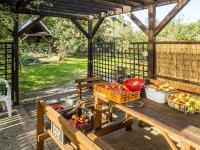 terasa s grilem u kuchyně (Prodej domu v osobním vlastnictví 145 m², Doksy)