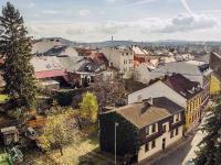výhled z obývacího pokoje (Prodej bytu 2+1 v osobním vlastnictví 56 m², Česká Lípa)