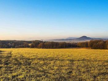 výhled k jihu - Prodej pozemku 6917 m², Svojkov