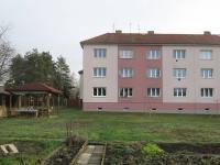 Pohled na dům ze zahrady (Prodej bytu 2+1 v osobním vlastnictví 65 m², Česká Lípa)