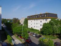 Výhled z obývacího pokoje směr JV - Prodej bytu 3+kk v osobním vlastnictví 70 m², Praha 10 - Vršovice