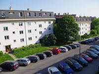 Výhled z obývacího pokoje směr JZ - Prodej bytu 3+kk v osobním vlastnictví 70 m², Praha 10 - Vršovice