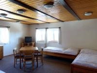 Pokoj - Prodej chaty / chalupy 480 m², Mařenice