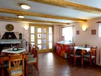 Vchod do restaurace - Prodej penzionu 480 m², Mařenice