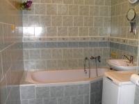 Koupelna - Prodej bytu 3+1 v osobním vlastnictví 63 m², Stráž pod Ralskem