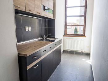 kuchyňka - Pronájem kancelářských prostor 24 m², Česká Lípa