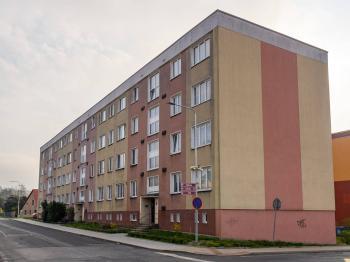 pohled na dům - Prodej bytu 3+1 v osobním vlastnictví 62 m², Varnsdorf