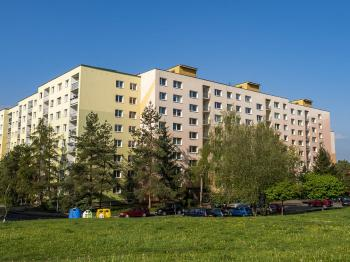 pohled na dům - Prodej bytu 3+1 v družstevním vlastnictví 67 m², Česká Lípa