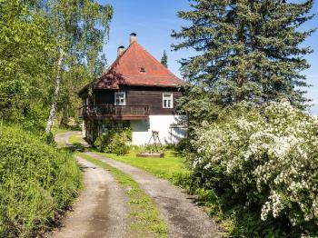 příjezd - Prodej chaty / chalupy 290 m², Slunečná