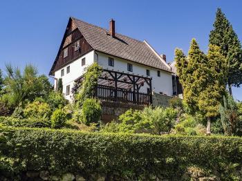 Pohled na dům - Prodej chaty / chalupy 200 m², Zahrádky