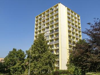 pohled na dům - Prodej bytu 1+kk v družstevním vlastnictví 27 m², Česká Lípa