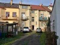 Zadní vstup do domu - Prodej bytu 1+1 v osobním vlastnictví 39 m², Česká Lípa