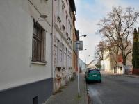 Vstup z ulice - Prodej bytu 1+1 v osobním vlastnictví 39 m², Česká Lípa