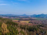 pohled na okolní krajinu a Červený rybník - Prodej chaty / chalupy 110 m², Nový Bor