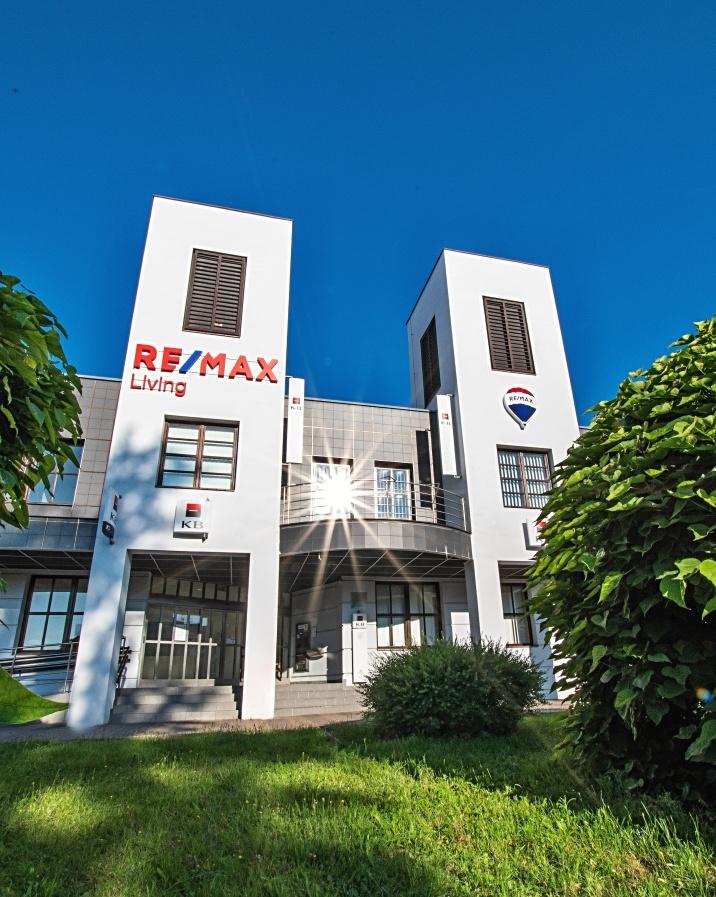 RE/MAX Living Česká Lípa - najdete nás v centru města v ulici Hrnčířská