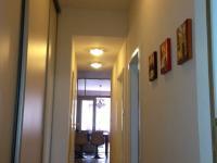chodba (Prodej bytu 4+1 v osobním vlastnictví 100 m², Praha 8 - Karlín)