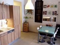 jídelní kout (Prodej bytu 4+1 v osobním vlastnictví 100 m², Praha 8 - Karlín)