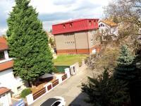Prodej nájemního domu 699 m², Praha 8 - Čimice