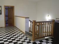 chodba patro (Prodej domu v osobním vlastnictví 294 m², Březová-Oleško)