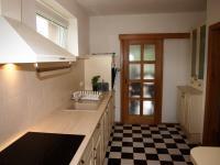 kuchyně (Prodej domu v osobním vlastnictví 294 m², Březová-Oleško)