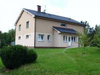 pohled od vrat východní strana (Prodej domu v osobním vlastnictví 294 m², Březová-Oleško)