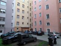 vnitroblok (Prodej bytu 2+kk v osobním vlastnictví 53 m², Karlovy Vary)