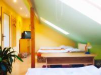 pokoj 3 (Prodej penzionu 318 m², Březová)