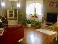 obývací pokoj (Prodej domu v osobním vlastnictví 400 m², Dobruška)