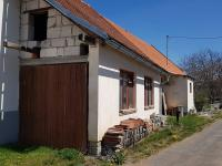 Vjezd do dílny - Prodej domu v osobním vlastnictví 160 m², Dobršín